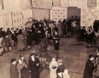 Reception at a Tuley Park exhibition 1930s Tuley Park Quilt Club Photo by Chicago Park District Chicago, Illinois Courtesy of Susan Salser
