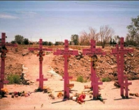 Crosses and posters honoring the women of Juarez Public domain